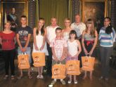 6 j�venes bielorrusos regresan a Mazarr�n de manos de la ONG