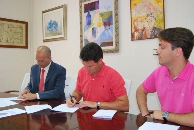 El Ayuntamiento de Alhama firma un convenio con FORPE para el desarrollo de programas formativos acorde con las necesidades del municipio, Foto 1
