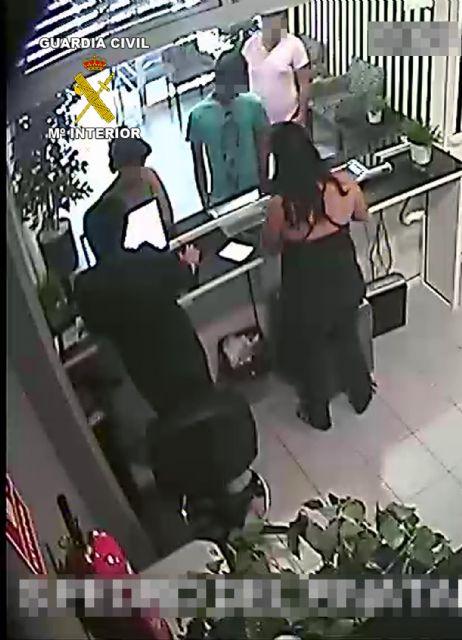 La Guardia Civil detiene a dos personas por robo con violencia y receptación de los efectos sustraídos - 1, Foto 1