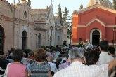 Numerosas personas asisten a la misa de la Patrona del Cementerio Municipal de Totana coincidiendo con la festividad de Nuestra Señora del Carmen