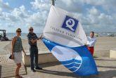 La bandera azules y 'Q' ya ondean en las playas de Santiago de la Ribera y La Manga
