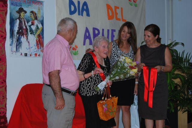 La residencia Virgen del Rosario celebra el Día de los Abuelos, Foto 1
