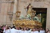 Autoridades municipales, civiles y religiosas acompañan en procesión la imagen de Santiago Apóstol con motivo de la festividad del patrón