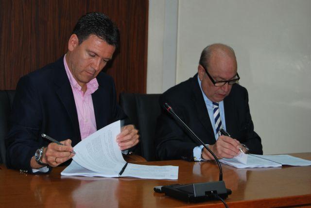 El alcalde de Alhama de Murcia y Jesús Samper firman un nuevo convenio urbanístico para el desarrollo de Paramount Park y LifeStyle Center, Foto 2