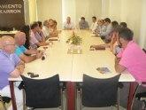 Cruz se re�ne con los hosteleros de Mazarr�n para tratar las necesidades y sugerencias del sector