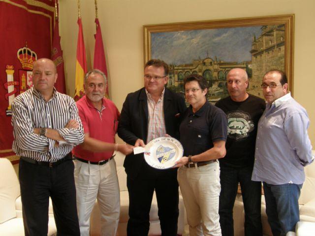 La Casa Regional de Murcia en Canarias entrega 1.000 euros a la Mesa Solidaria procedentes de la celebración del evento deportivo Para que no me olvides…¡soy Lorca - 1, Foto 1