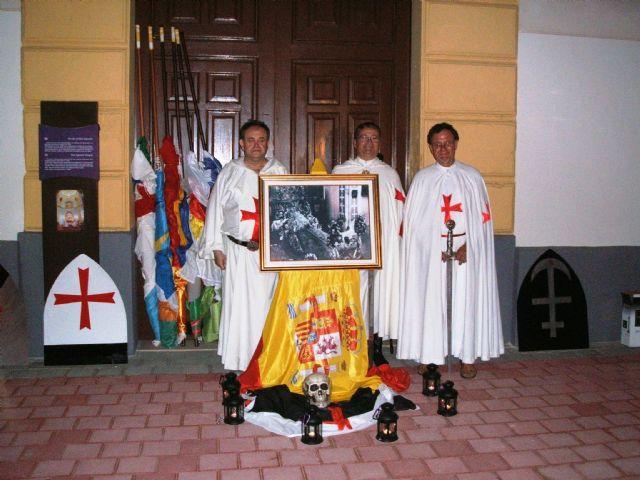 Banderas de treinta municipios de la Región forman la Guardia Templaria de honor a la Patrona de Jumilla, Foto 1