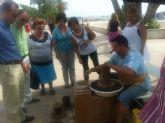 Miles de personas han visitado la muestra de artesanía del paseo Colón que se despide hoy