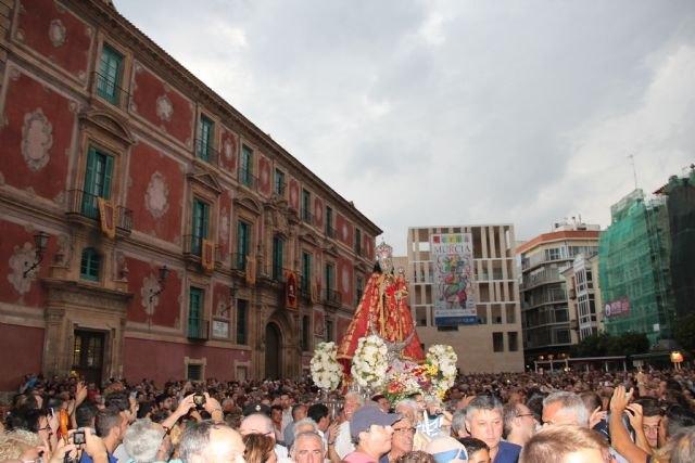 Cientos de murcianos acogen a la Virgen de la Fuensanta en su llegada a Murcia - 1, Foto 1