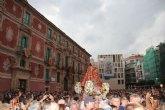 Cientos de murcianos acogen a la Virgen de la Fuensanta en su llegada a Murcia