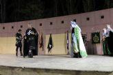 Moros y Cristianos de Archena volvieron a escenificar ayer, fuera de fiestas, la Embajada de la Carta Puebla por ser dia clave de esta conmemoración
