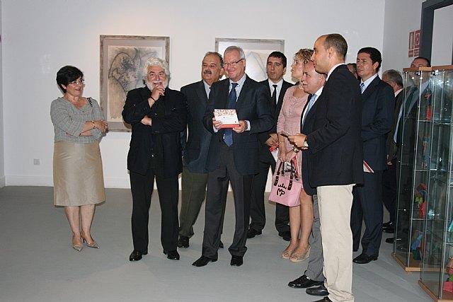 El presidente Valcárcel inaugura el nuevo espacio dedicado a la obra de Cristóbal Gabarrón en la Casa Pintada de Mula - 1, Foto 1