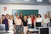 El Ayuntamiento de Torre-Pacheco acerca a los mayores al mundo de internet y la informática a través de un curso