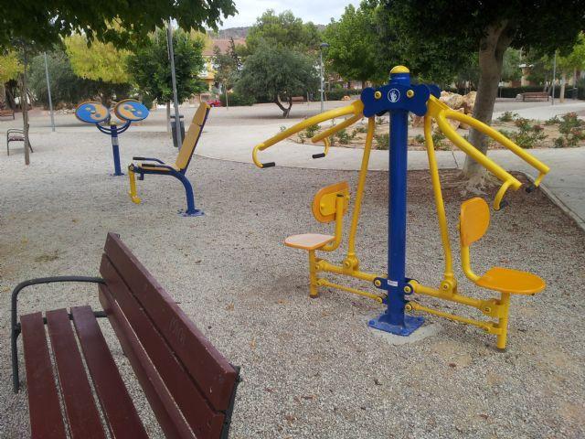 El jardín Paco Rabal cuenta con nuevos aparatos gimnásticos, Foto 2