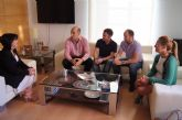 La nueva junta directiva de AEMCO se reúne con la alcaldesa