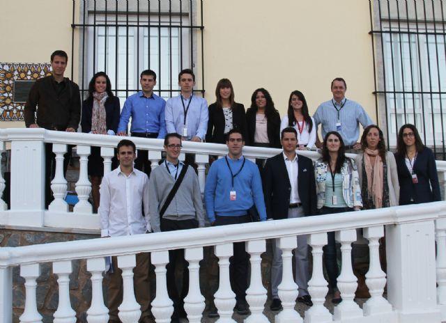 Alumnos procedentes de diferentes universidades clausuran el programa de prácticas de SABIC - 1, Foto 1