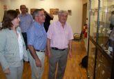 Hasta el próximo sábado se puede visitar en Águilas la exposición 'Mujeres en el mundo ferroviario: vestimenta y otros objetos'
