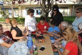 Los abuelos aprenden a enriquecer el tiempo que pasan con los nietos