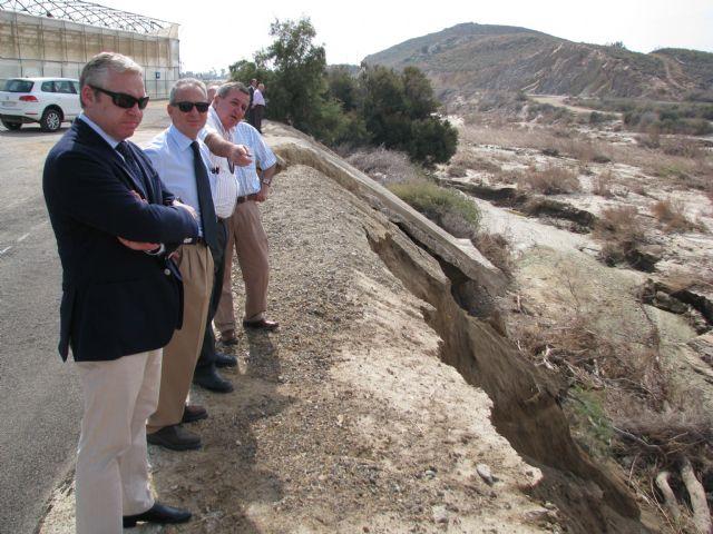 El alcalde se reúne con la CHS para solicitar la reparación del encauzamiento de la rambla de las Moreras - 1, Foto 1