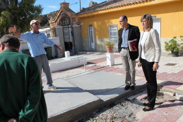 La Alcaldesa y los Concejales de Seguridad y Cementerio visitan el Camposanto archenero - 1, Foto 1