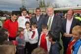 El seleccionador nacional de Fútbol Vicente del Bosque realiza una visita solidaria a Puerto Lumbreras tras las inundaciones