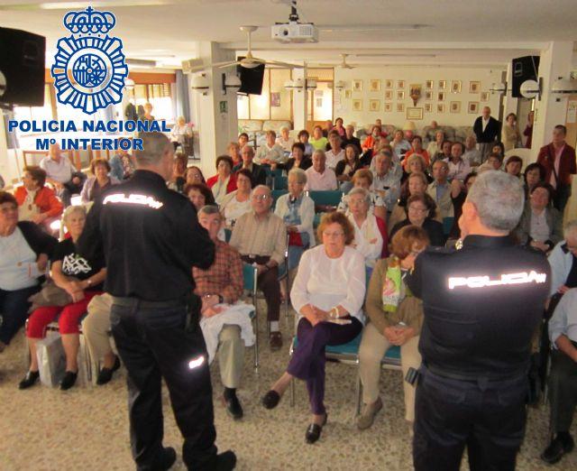 La Policía Nacional desarticula un grupo criminal dedicado al robo y la estafa de personas de avanzada edad - 1, Foto 1