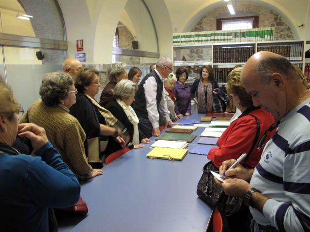 Los jubilados se empapan de la historia del archivo municipal - 2, Foto 2