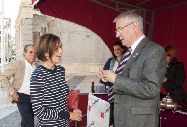 El Ayuntamiento participa en la cuestación de la Cruz Roja por el Día de la Banderita - 3, Foto 3