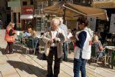 El Ayuntamiento participa en la cuestación de la Cruz Roja por el Día de la Banderita