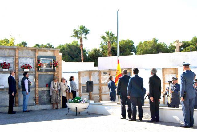 La AGA rinde homenaje a los Caídos en el cementerio de San Javier - 1, Foto 1