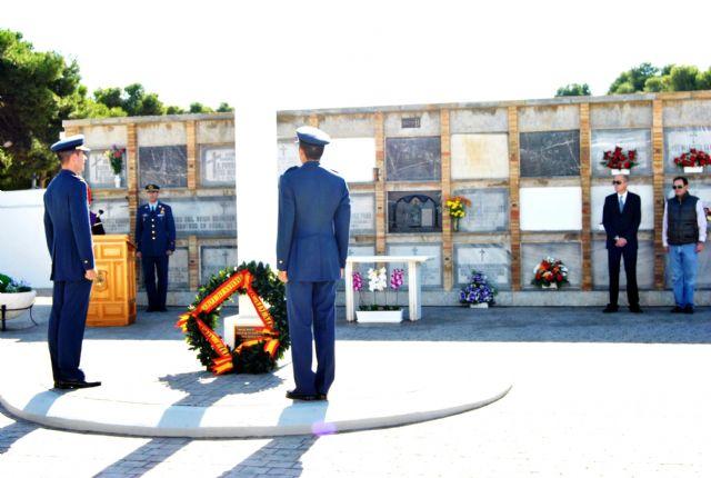La AGA rinde homenaje a los Caídos en el cementerio de San Javier - 2, Foto 2