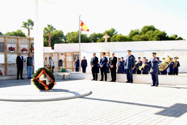 La AGA rinde homenaje a los Caídos en el cementerio de San Javier - 3, Foto 3