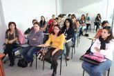 Veinte mujeres participan en el curso de ayuda a domicilio