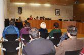El ayuntamiento se re�ne con las asociaciones de vecinos para consensuar el procedimiento de autogesti�n de los centros sociales del municipio