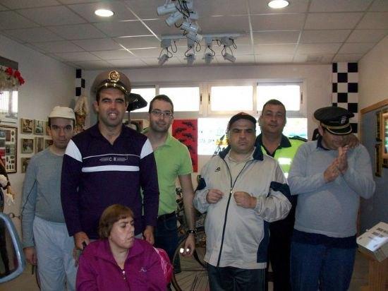Los alumnos del Centro de D�a de discapacidad intelectual Jos� Moya Trilla visitan el Museo de la Polic�a Local, Foto 5