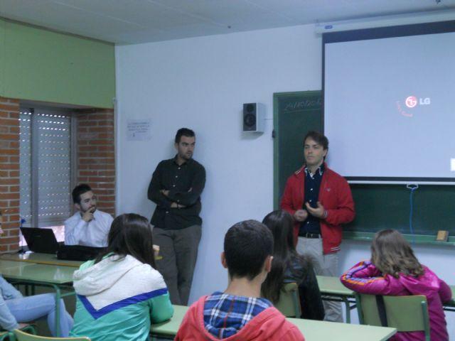 Seis empresas asociadas a AJE Guadalentínhan expuesto sus experiencias a más de 150 alumnos de los IES de la localidad, Foto 1