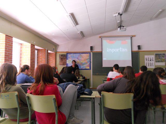 Seis empresas asociadas a AJE Guadalentínhan expuesto sus experiencias a más de 150 alumnos de los IES de la localidad, Foto 3
