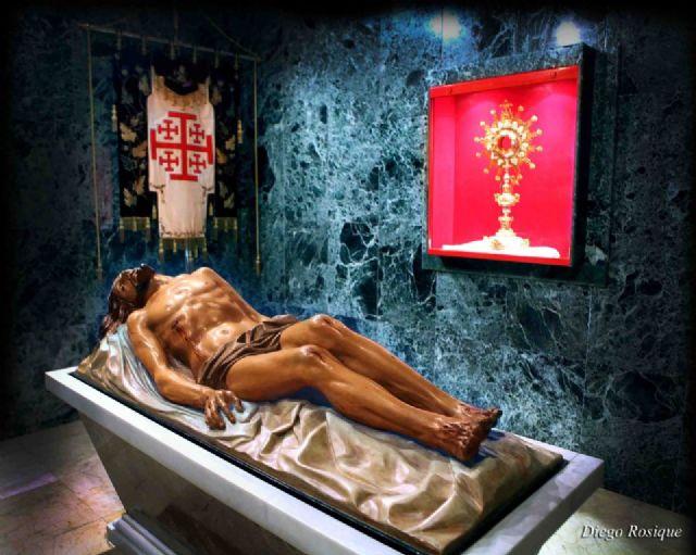 La imagen de Cristo Yacente presidirá la Santa Misa en sufragio de los nazarenos fallecidos de todas las Hermandades y Cofradías de Alcantarilla - 1, Foto 1