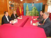 Moya-Angeler se reúne con los cónsules de Rumanía, Gran Bretaña, Suecia, Méjico y Polonia