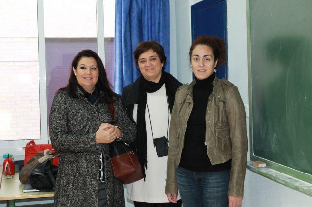 El Ayuntamiento promueve cursos para favorecer la promoción personal y facilitar la integración social, Foto 2