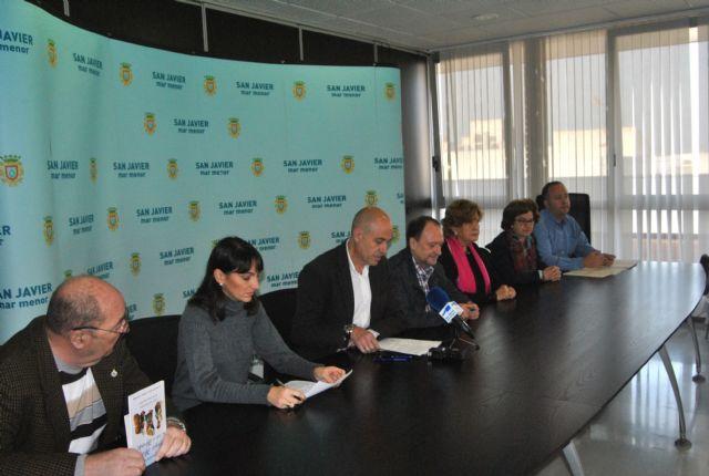 El Ayuntamiento firmó convenios de colaboración con las asociaciones de Amigos del Belén y Amas de Casa de San Javier - 1, Foto 1