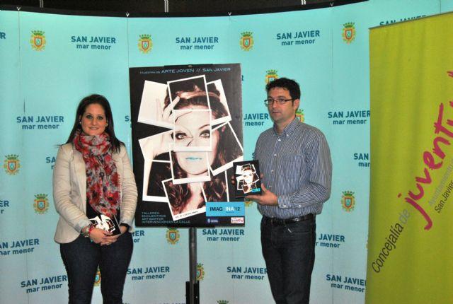 La concejal de Juventud presentó el catálogo que resume IMAGINA 2012 - 2, Foto 2