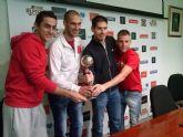 Kike dice adiós a la Selección Española arropado por su equipo, ElPozo Murcia FS, y por su amigo Nico Almagro