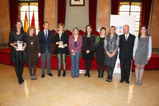 El Alcalde entrega el premio Murcia en Igualdad a dos magistradas de los Juzgados de Violencia sobre la Mujer - 1, Foto 1