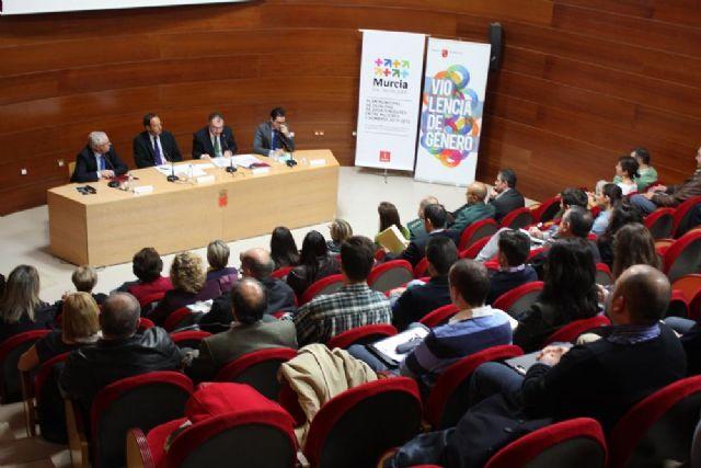El Alcalde entrega el premio Murcia en Igualdad a dos magistradas de los Juzgados de Violencia sobre la Mujer - 5, Foto 5