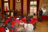 168 escolares 'sustituyen' a los concejales en el Pleno para debatir sobre sus derechos