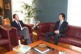 El Alcalde recibe al Embajador del Japón en España