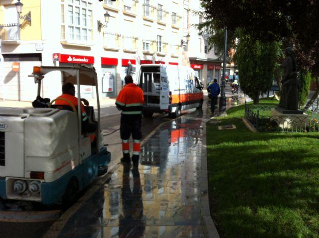 La concejalía de Servicios a la Ciudad realiza un plan de choque de limpieza de cara a las fiestas patronales de Santa Eulalia - 1, Foto 1