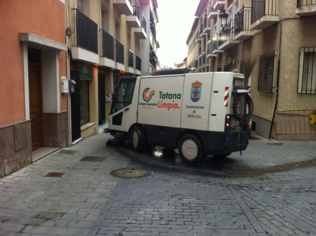 La concejalía de Servicios a la Ciudad realiza un plan de choque de limpieza de cara a las fiestas patronales de Santa Eulalia - 2, Foto 2