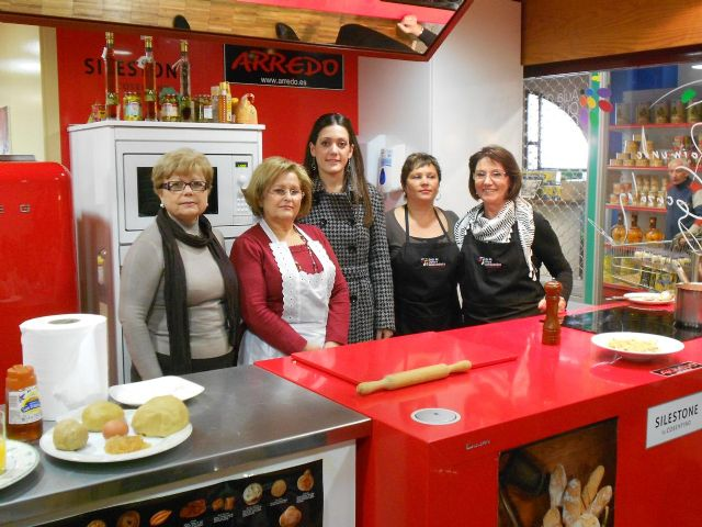 Finaliza el ciclo cocina de la igualdad que han realizado los Centros de la Mujer en el Aula Gastronómica de Verónicas - 2, Foto 2